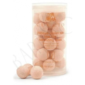 Cuccio Naturalé Manicure Soak Balls Papaya & Green Tea